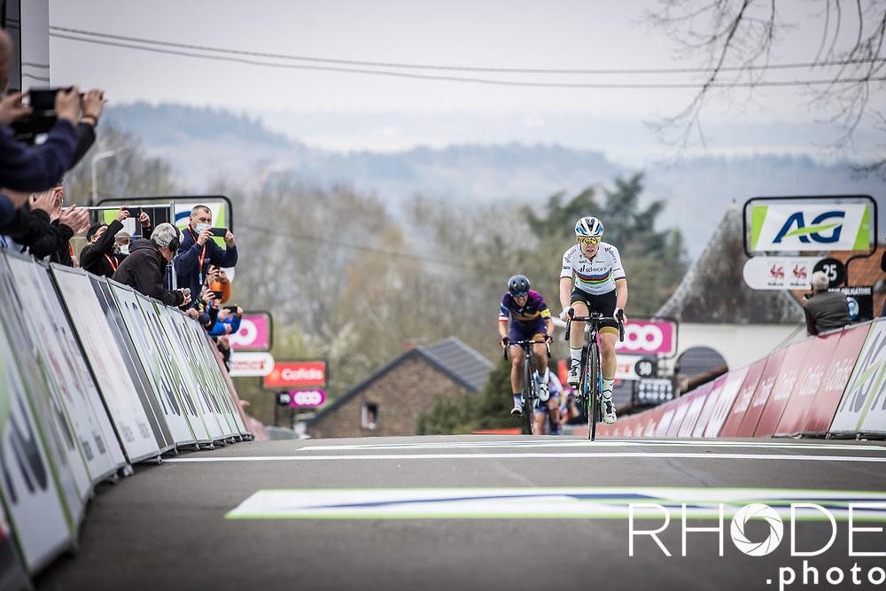 World Champion Anna van der Breggen wins her seventh consecutive La Flèche Wallonne <br /> <br /> 24th la Flèche Wallonne Féminin 2021 (1.UWT)<br /> 1 Day Race: Huy – Huy 130,5km<br /> <br /> ©RhodePhoto