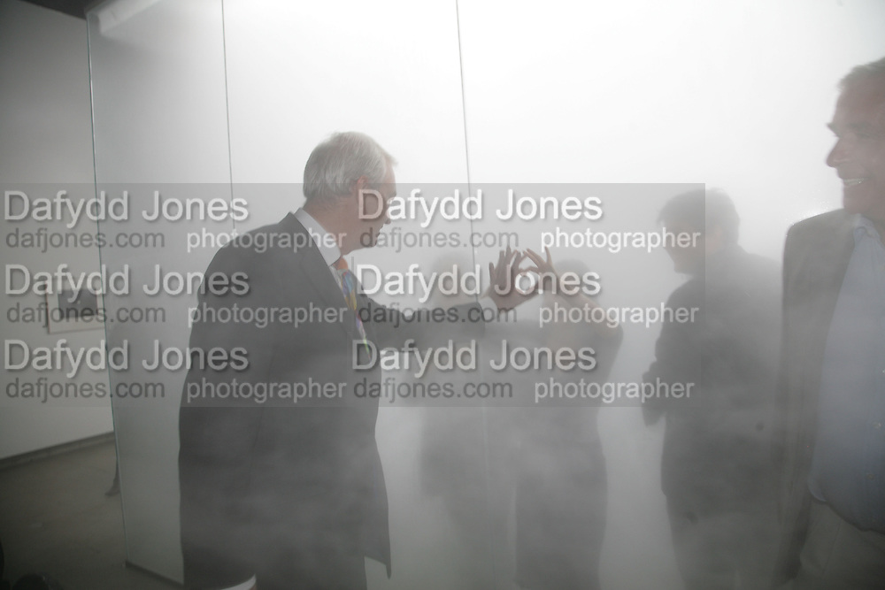 Peter Snow.   Antony Gormley - private view,  Hayward Gallery, South Bank, London, 16 May 2007.  -DO NOT ARCHIVE-© Copyright Photograph by Dafydd Jones. 248 Clapham Rd. London SW9 0PZ. Tel 0207 820 0771. www.dafjones.com.