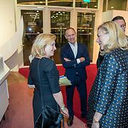 NLD/Amsterdam/20180324 - inloop première Dutch Doubles ballet, minister voor Buitenlandse Handel en Ontwikkelingssamenwerking in het kabinet-Rutte III
