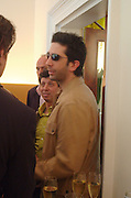 David Schwimmer. Lunch party for Brooke Shields hosted by charles finch and Patrick Cox. Mortons. Berkeley Sq. 6 July 2005. ONE TIME USE ONLY - DO NOT ARCHIVE  © Copyright Photograph by Dafydd Jones 66 Stockwell Park Rd. London SW9 0DA Tel 020 7733 0108 www.dafjones.com