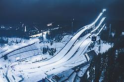 THEMENBILD - Blick auf die finnische Stadt Lahti mit den Lichtern der Stadt im Winter mit Schnee bedeckt mit der Skisprung Schanzen Anlage. aufgenommen am 09. Februar 2019 in Lahti, Finnland // View of the Finnish city Lahti with the lights of the city in winter covered with snow with ski jumping hills and facility. Lahti, Finland on 2019/02/09. EXPA Pictures © 2019, PhotoCredit: EXPA/ JFK