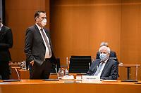 02 DEZ 2020, BERLIN/GERMANY:<br /> Gerd Mueller (L), CSU, Bundesentwicklungshilfeminister, und Horst Seehofer, CSU, Budnesinnenminister, , mit Mund-Nase-Maske, vor Beginn einer Kebinettsitzung, Internationaler Konferenzsaal, Bundeskanzleramt<br /> IMAGE: 20201202-01-008<br /> KEYWORDS: Sitzung, Kabinett, Atemmaske, Maske, Corvid-19, Corona, Pandemie, Gerd Müller