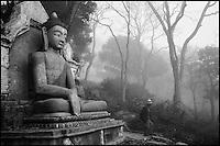 Nepal. Vallée de Kathmandu. Swayambunath. // Nepal. Kathmandu valley. Swayambunath.