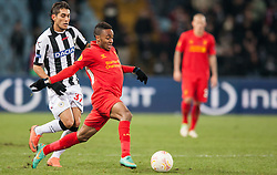 06.12.2012, Stadio Friuli, Udine, ITA, UEFA EL, Udinese Calcio vs FC Liverpool, Gruppe A, im Bild Roberto Pereyra (# 37, Udinese Calcio), Raheem Sterling (# 31, Liverpool FC) // during the UEFA Europa League group A match between Udinese Calcio and Liverpool FC at the Stadio Friuli, Udinese, Italy on 2012/12/06. EXPA Pictures © 2012, PhotoCredit: EXPA/ Juergen Feichter