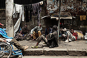 Sfollati e senzatetto vivono lungo le strade della capitale, Addis Ababa 9 settembre 2014.  Christian Mantuano / OneShot <br /> <br /> Displaced and homeless people living on the streets of the capital, Addis Ababa September 9, 2014.