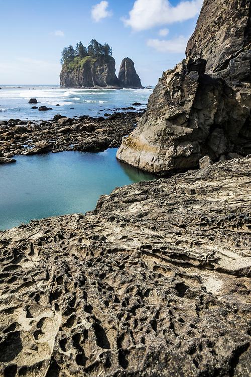 Seastacks off of 2nd Beach, Olympic Coast National Marine Sanctuary / National Park, Washington, USA.