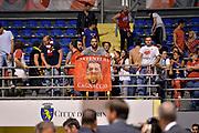 DESCRIZIONE : Supercoppa 2015 Finale EA7 Emporio Armani Milano - Grissin Bon Reggio Emilia<br /> GIOCATORE : tifosi<br /> CATEGORIA : esultanza postgame curiosita tifosi<br /> SQUADRA : Grissin Bon Reggio Emilia<br /> EVENTO : Supercoppa 2015<br /> GARA : EA7 Emporio Armani Milano - Grissin Bon Reggio Emilia<br /> DATA : 27/09/2015<br /> SPORT : Pallacanestro <br /> AUTORE : Agenzia Ciamillo-Castoria/Max.Ceretti