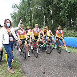 23-08-2020: Wielrennen: NK elite: Drijber<br /> Startschot