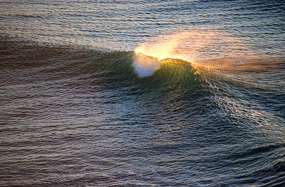 Gently Cresting wave