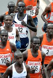 09-04-2006 ATLETIEK: FORTIS MARATHON: ROTTERDAM<br /> De 26e editie van de marathon van Rotterdam - De kopgroep met oa. Sammy Korir (1)<br /> ©2006-WWW.FOTOHOOGENDOORN.NL