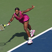Serena Williams, USA, in action against Maria Jose Martinez Sanchez, Spain,  during the US Open Tennis Tournament at Flushing Meadows, New York, USA, on Friday  September 4, 2009. Photo Tim Clayton.