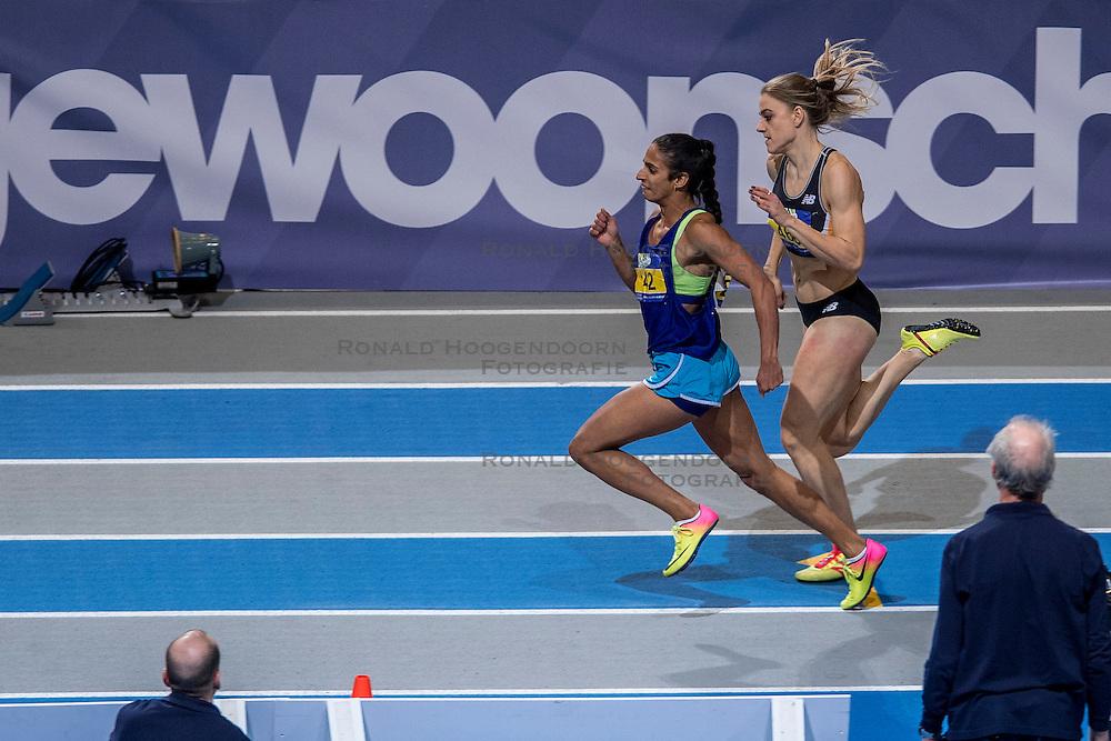 12-02-2017 NED: AA Drink NK Indoor, Apeldoorn<br /> Madiea Ghafoor 142 wint de 400 meter voor 2Lisanne de Witte 460
