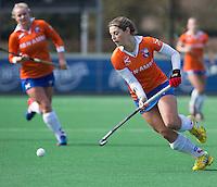 BLOEMENDAAL - Eline Florie van Bloemendaal tijdens de overgangsklasse competitiewedstrijd hockey tussen de vrouwen van Bloemendaal en Zwolle (2-0). COPYRIGHT KOEN SUYK