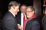 Roger Allam, Nick Allot and Cameron Mackintosh. Blackbird press night,  Mint Leaf. London. 13 February 2006. ONE TIME USE ONLY - DO NOT ARCHIVE  © Copyright Photograph by Dafydd Jones 66 Stockwell Park Rd. London SW9 0DA Tel 020 7733 0108 www.dafjones.com