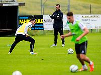 30/06/14<br /> CELTIC TRAINING<br /> AUSTRIA<br /> Celtic manager Ronny Deila leads training in Austria.