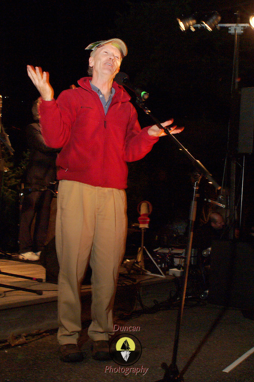 11 / 11 / 2006 -- FREEPORT, Maine -- Comedian Randy Judkins emceed The Illumination Ceremony at Discovery Park, kicking off the Christmas Season. Photo by Roger S. Duncan.