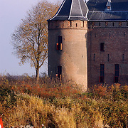 Sloepenrace Muiden - Pampus - Muiden, kasteel Muiderslot, boten, roeiboten