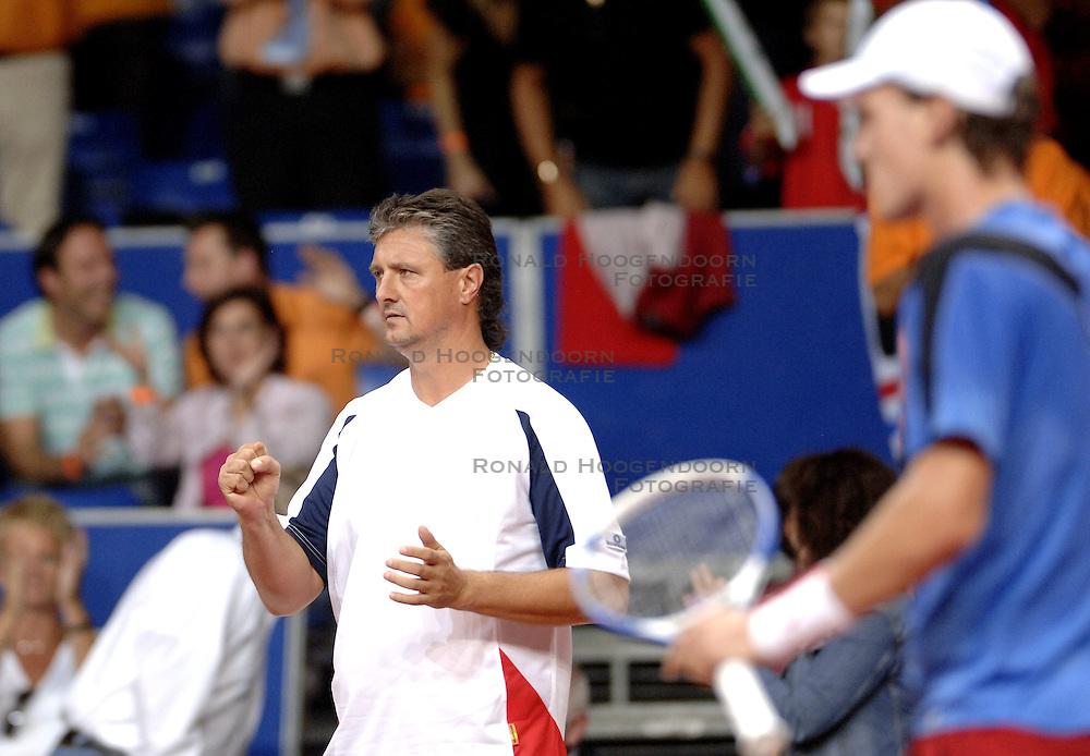 22-09-2006 TENNIS: DAVIS CUP: NEDERLAND - TSJECHIE: LEIDEN <br /> Coach Jaroslav Navratil <br /> ©2006-WWW.FOTOHOOGENDOORN.NL