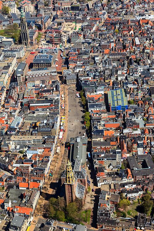 Nederland, Groningen, Groningen, 01-05-2013; Groningen-stad, centrum. Vismarkt met De Korenbeurs, A-kerkhof met der Aa-kerk. Boven in beeld Grote Markt, stadhuis en Martinitoren.<br /> View on the city of Groningen, old town. Der Aa-kerk (church) and the City Hall (top pic).<br /> luchtfoto (toeslag op standard tarieven)<br /> aerial photo (additional fee required)<br /> copyright foto/photo Siebe Swart