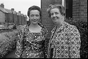 Presentation of prizes at the Irish Countrywomans Association. Mrs. Gloria Mullally, Secretary of the Drama Committee, Wicklow Federation, and Miss Maeve Donovan, President of the Wicklow Federation.<br /> 04.09.1964