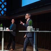 NLD/Hilversum/20190207- Opening Serieus Grappig tentoonstelling, presentatie door de Speld Live met Martine Bakker en Arthur Umbgrove, Rutger Molle