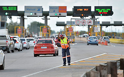 15/12/2017. A traffic controler controls the traffic at Carousel Plaza on the N1 North.<br /> Picture: Oupa Mokoena/ANA