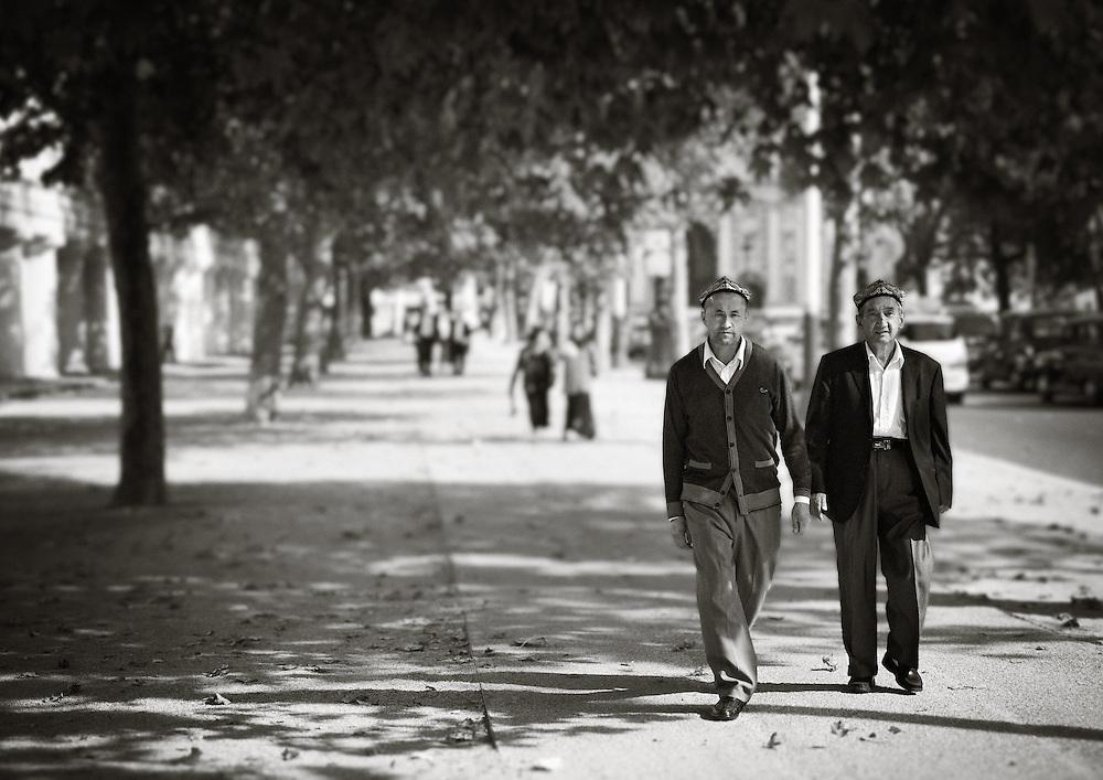 London - Two Men (Carlton House Terrace)