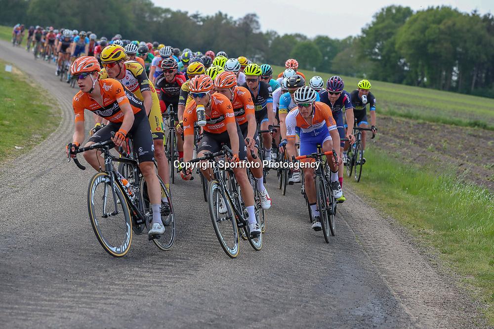 12-05-2018: Wielrennen: Ronde van Overijssel: Rijssen<br />Team Roompot-Oranje op kop peloton