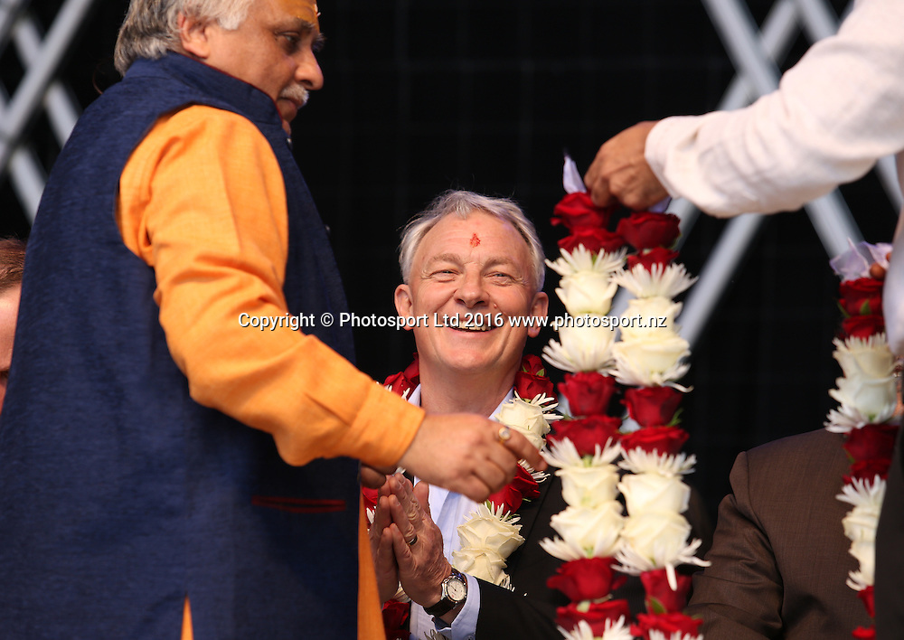 Auckland Mayor Elect Phil Goff attends the Diwali Festival, Auckland, New Zealand. Saturday 15 October 2016. © Copyright Image: Ben Campbell / www.photosport.nz