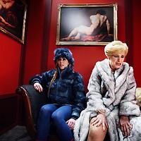 Nederland, Amsterdam , 20 februari 2014.<br /> Singel Filmstudio, Duivendrechtse kade 80.<br /> Opera Spanga maakt een film bij de nieuwe voorstelling die deze zomer in premiere gaat, Gianni Schicchi.<br /> OPERA SPANGA bestaat in 2014 alweer 25 jaar! Voor dit jubileum bereidt OPERA SPANGA een bijzonder project voor in samenwerking met Sinfonia Rotterdam onder leiding van Conrad van Alphen: Gianni Schicchi. Verschillende fondsen hebben hun steun toegezegd.<br /> Op de foto: repetitie op de set tijdens de filmopnamen van de musical.<br /> Foto:Jean-Pierre Jans