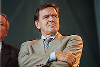 07.10.1995, Germany/Berlin:<br /> Gerhard Schröder, SPD, Ministerpräsident Niedersachsen, Kundgebung auf dem Alexanderplatz zum 50. Jahrestag der Wiedergründung der SPD<br /> IMAGE: 19951007-02/02-26<br /> KEYWORDS: Schroeder