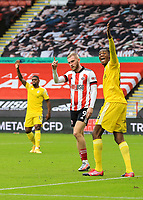Fulham's Tosin Adarabioyo and Sheffield United's Oliver McBurnie appeal to the Assistant Referee<br /> <br /> Photographer Lee Parker/CameraSport<br /> <br /> The Premier League - Sheffield United v Fulham - Sunday 18th October 2020 - Bramall Lane - Sheffield<br /> <br /> World Copyright © 2020 CameraSport. All rights reserved. 43 Linden Ave. Countesthorpe. Leicester. England. LE8 5PG - Tel: +44 (0) 116 277 4147 - admin@camerasport.com - www.camerasport.com