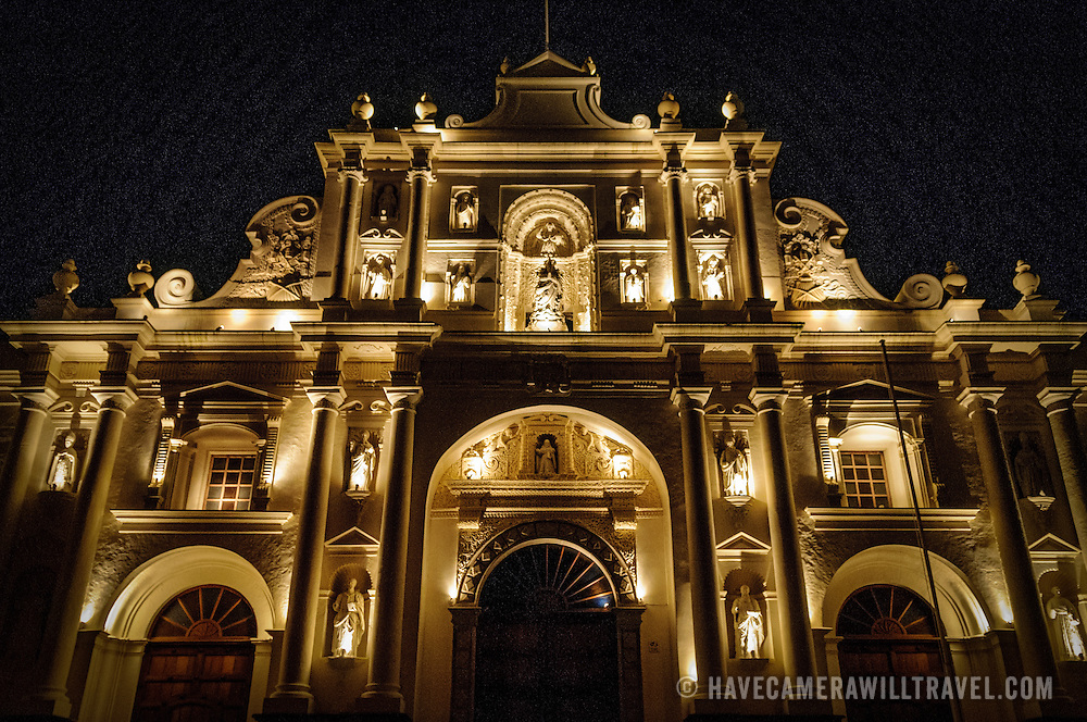 On the northern side of Antigua's Parque Central, the Catedral de Santiago (Cathedral of Santiago) was begun in 1542 but mostly destroyed by the earthquake of 1773,. It was only partially rebuilt after that, mainly the facade of the front facing the park which now houses the Inglesio de San Jose (Church of Saint Joseph). Behind the facade are ruins of the original cathedral.