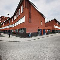 Nederland, Zoetermeer , 5 juli 2012..Jongste uitbreidingswijk Oosterheem heeft bijna iets surrealistisch bijvoorbeeld bij de Javalaan, iets uit een film. Ter hoogte van nr 422 is van Vestia. (zie hoekwoning).Foto:Jean-Pierre Jans