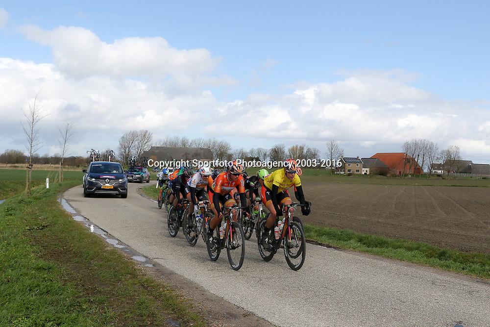 07-04-2016: Wielrennen: Energiewachttour vrouwen: Winsum<br />WINSUM (NED) wielrennenDe tweede etappe in de Energiewacht rond Winsum werd door de wind een zware etappe. Na 11 kilometer viel de beslissing toen een kopgroep van 15 meiden wegreed
