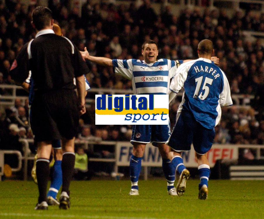 Photo: Jed Wee.<br /> Newcastle United v Reading. The Barclays Premiership. 06/12/2006.<br /> <br /> Reading goalscorer James Harper runs to his elated captain Graeme Murty after opening the scoring.
