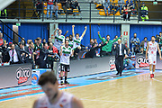 DESCRIZIONE : Final Eight Coppa Italia 2015 Desio Quarti di Finale Olimpia EA7 Emporio Armani Milano - Sidigas Scandone Avellino <br /> GIOCATORE :Sidigas Avellino<br /> CATEGORIA :Esultamza<br /> SQUADRA : Sidigas Avellino<br /> EVENTO : Final Eight Coppa Italia 2015 Desio <br /> GARA : Olimpia EA7 Emporio Armani Milano - Sidigas Scandone Avellino <br /> DATA : 20/02/2015 <br /> SPORT : Pallacanestro <br /> AUTORE : Agenzia Ciamillo-Castoria/I.Mancini