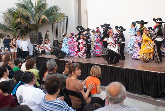 SB Museum of Art courtyard; Day of the Dead; Santa Barbara; CA