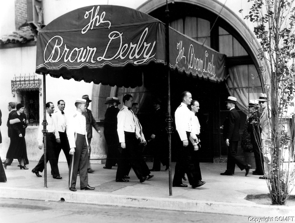 1937 Waiters walking a picket line in front of The Brown Derby