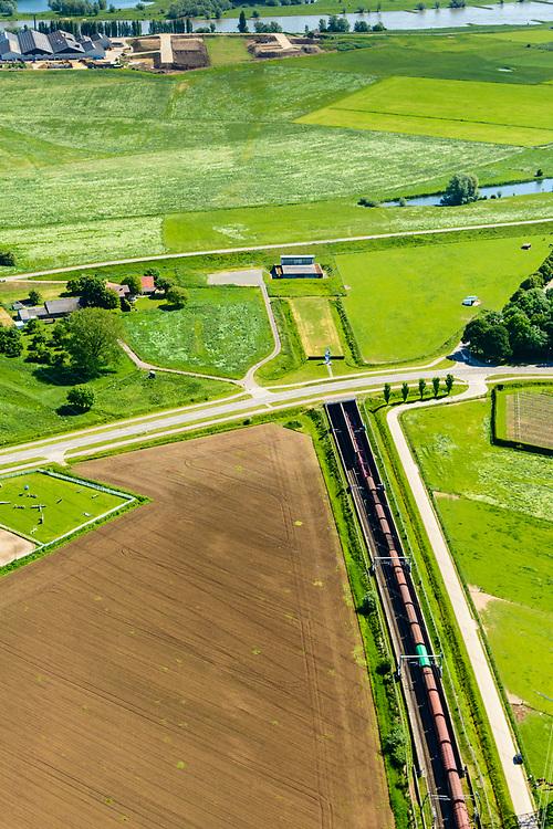 Nederland, Gelderland, Angeren, 29-05-2019; Boerenhoek, tunnel van de Betuweroute onder Pannerdens kanaal. Pannerdensch kanaal (Neder-Rijn) aan de horizon.<br /> Tunnel Betuweroute, freight railway, Pannerdensch channel (Lower Rhine) on the horizon.<br /> luchtfoto (toeslag op standard tarieven);<br /> aerial photo (additional fee required);<br /> copyright foto/photo Siebe Swart