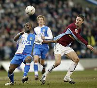 Fotball<br /> FA-cup 2005<br /> Burnley v Blackburn<br /> 20. februar 2004<br /> Foto: Digitalsport<br /> NORWAY ONLY<br /> Blackburn's Jemal Johnson and Burnley's Michael Duff battle for possesion