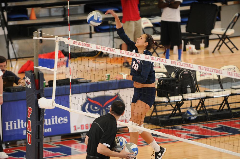 2013 FAU Volleyball vs Central Florida