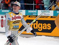Hopp: 16.12.2001 Engelberg, Schweiz,<br />Der Pole Adam Malysz am Sonntag (16.12.2001) beim Weltcup Skispringen im schweizerischen Engelberg. <br /><br />Foto: ANDY MüLLER, Digitalsport