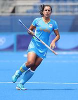 TOKIO -  Rani (C) (IND)   tijdens de hockeywedstrijd in de kwartfinale wedstrijd dames , Australie-India (0-1),   tijdens de Olympische Spelen van Tokio 2020. India plaats zich voor de halve finale.  COPYRIGHT KOEN SUYK