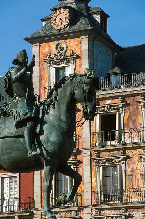 SPAIN, MADRID, MONUMENTS Plaza Mayor; Panaderia façade