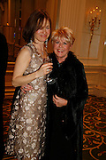 LOUISE MOORE AND GLORIA HUNNIFORD, 17th Annual Book Awards, hosted by richard and Judy. grosvenor House. London. 29 March 2006. ONE TIME USE ONLY - DO NOT ARCHIVE  © Copyright Photograph by Dafydd Jones 66 Stockwell Park Rd. London SW9 0DA Tel 020 7733 0108 www.dafjones.com