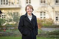 14 DEC 2020, BERLIN/GERMANY:<br /> Elke Buedenbender, Juristin und Gattin des Bundespraesidenten, im Garten von Schloss Bellevue<br /> IMAGE: 20201214-01-024<br /> KEYWORDS: Elke Büdenbender, First Lady