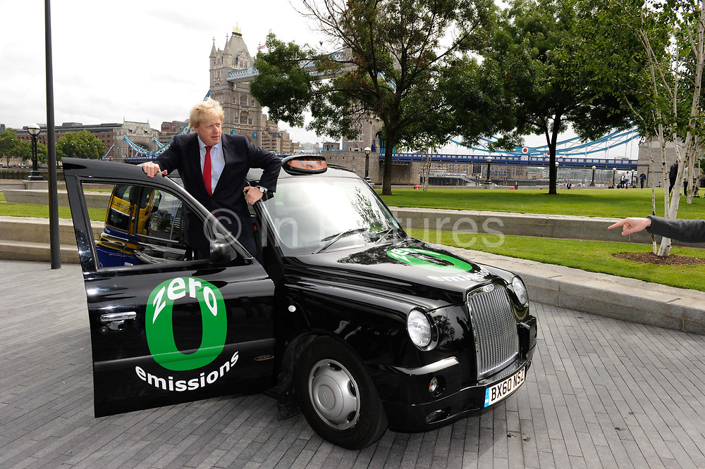 London Mayor Boris Johnson launches the new generation zero emissions London taxi, powered by an Intelligent Energy hydrogen fuel cell system in combination with lithium polymer batteries. The vehicle has a top speed of over 80 mph and a range of 250 miles with a full tank of hydrogen. It can operate all day without filling up and takes around 5 minutes to refuel.