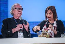 Washington Olivetto  e Carla Pernambuco durante o VOX - The Joy of Sharing, evento que  pretende provocar reflexões sobre o futuro da comunicação a partir do compartilhamento de conteúdo e experiências. FOTO: Jefferson Bernardes/ Agência Preview