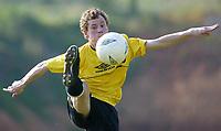 Fotball - Treningsleir La Manga 13. mars 2002. Harald Haugland, Start på trening med ball.<br /> <br /> Foto: Andreas Fadum, Digitalsport